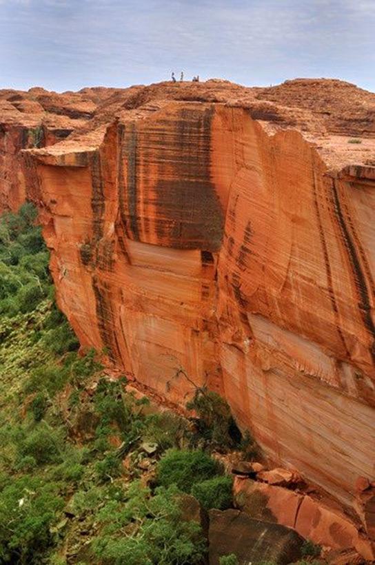 Следы древних цивилизаций: шлифованные горы с признаками машинной обработки Kamen_3806531_900