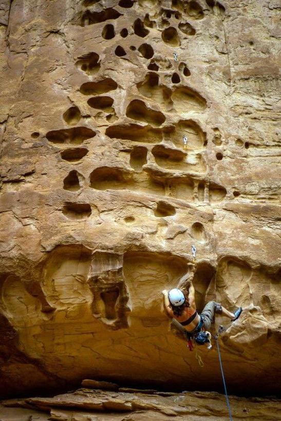 Следы древних цивилизаций: шлифованные горы с признаками машинной обработки Kamen_3813586_900