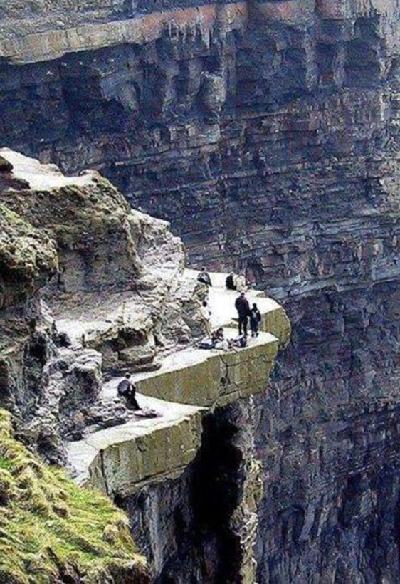 Следы древних цивилизаций: шлифованные горы с признаками машинной обработки Kamen_3874480_original