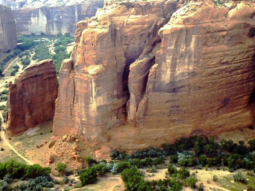 Следы древних цивилизаций: шлифованные горы с признаками машинной обработки Kamen_3883268_original