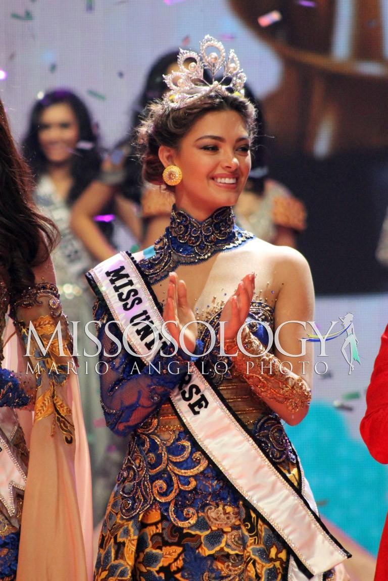 miss universe 2017 durante final de puteri indonesia 2018. IMG_2110-FILEminimizer