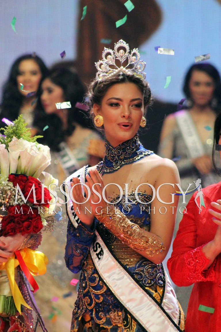 miss universe 2017 durante final de puteri indonesia 2018. IMG_2114-FILEminimizer