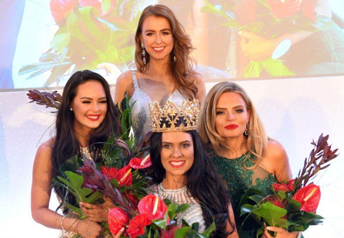 lauren leckey, miss northern ireland 2019. ira a mw 2019. 0_Miss-Northern-Ireland-2019-Lauren-Leckey-2_-Lewis-696x482