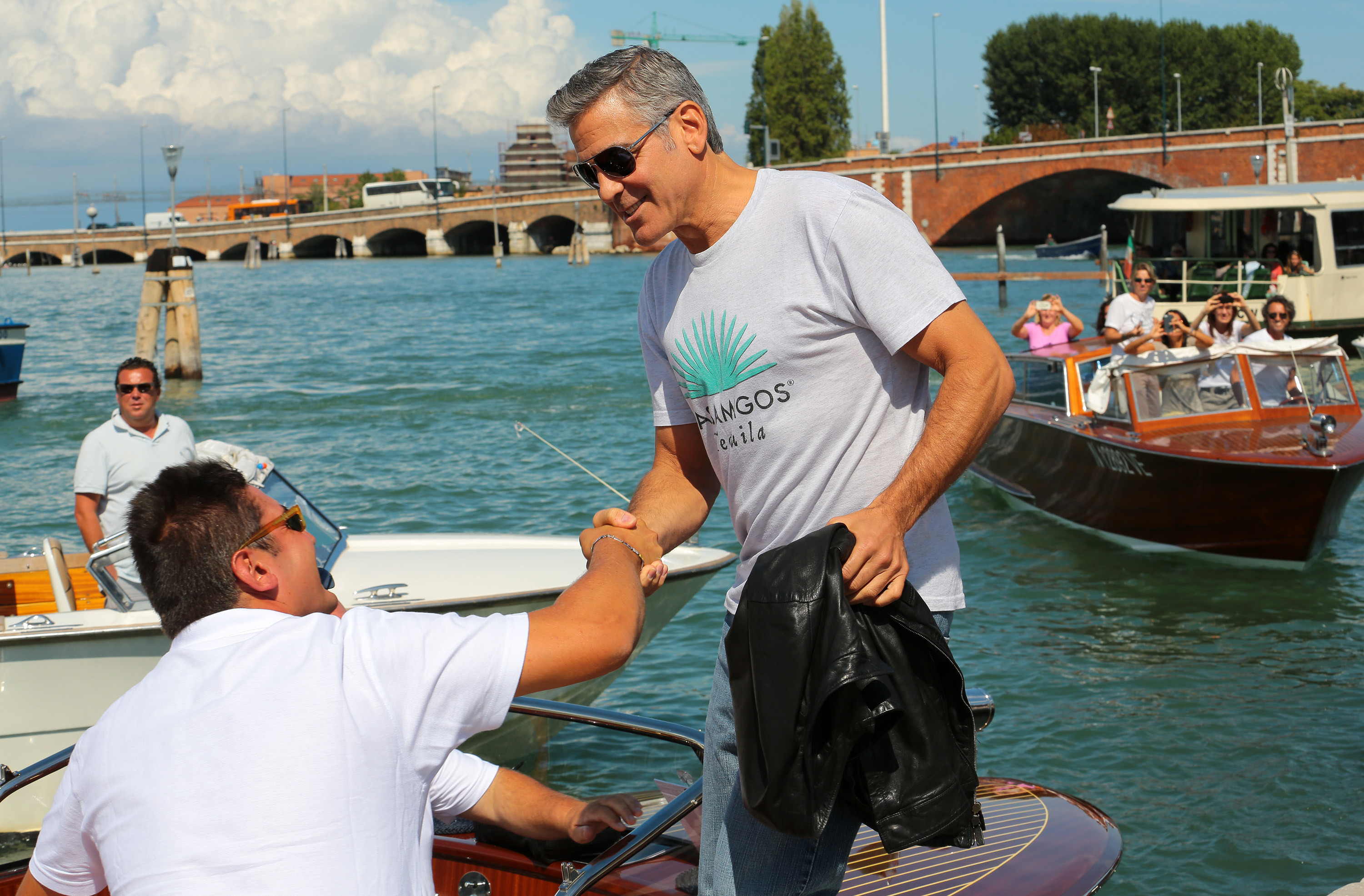 Here's Proof That Clooney Only Gets Better With Age - Page 2 George-clooney-venezia-29082013