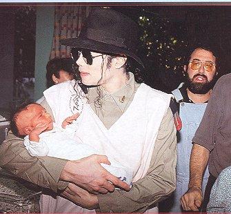 Foto di Michael e i bambini - Pagina 2 034