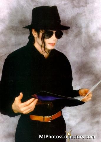 Raridades: Somente fotos RARAS de Michael Jackson. - Página 2 Med_gallery_7_467_142415