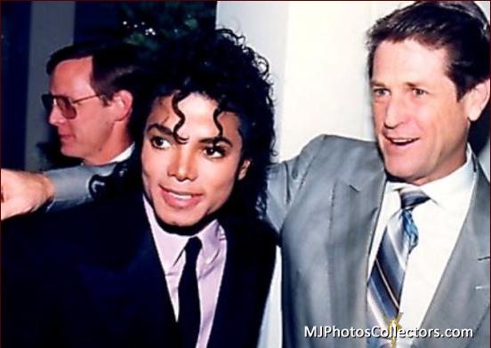 Raridades: Somente fotos RARAS de Michael Jackson. - Página 2 Med_gallery_8_877_191671