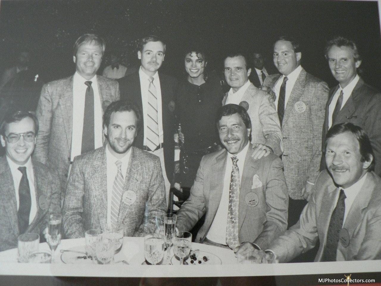 Raridades: Somente fotos RARAS de Michael Jackson. - Página 6 Gallery_7_42_97160