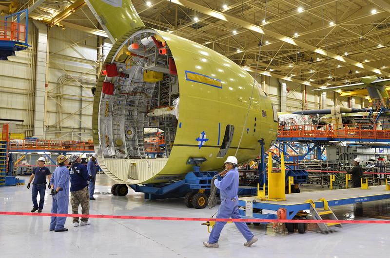 Avions de transport tactique/lourd - Page 4 0227_NWS_LPT-L-BOEING.219-L