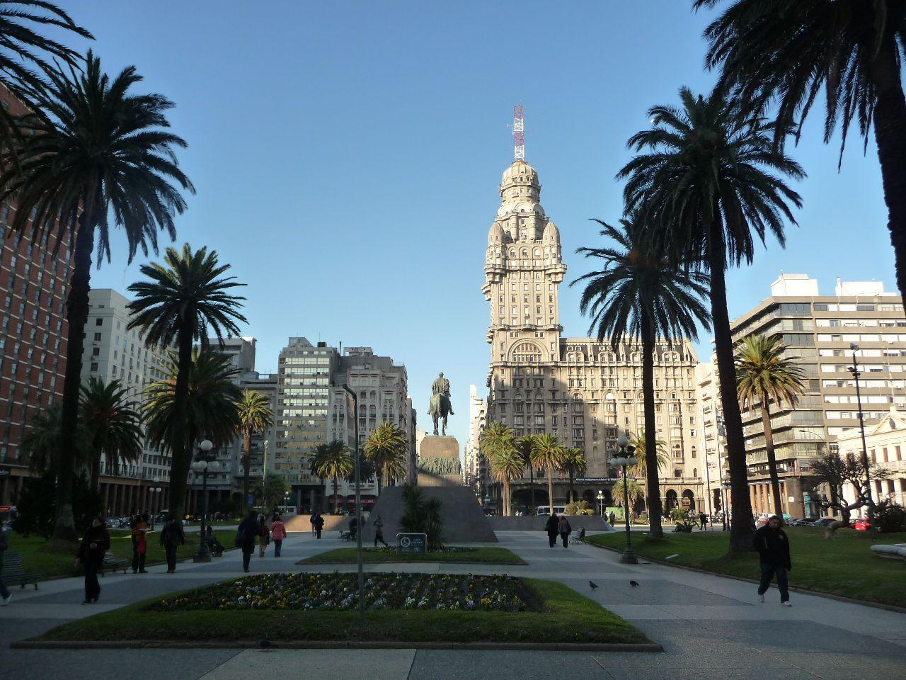 Urugvaj - Page 4 Montevideo1