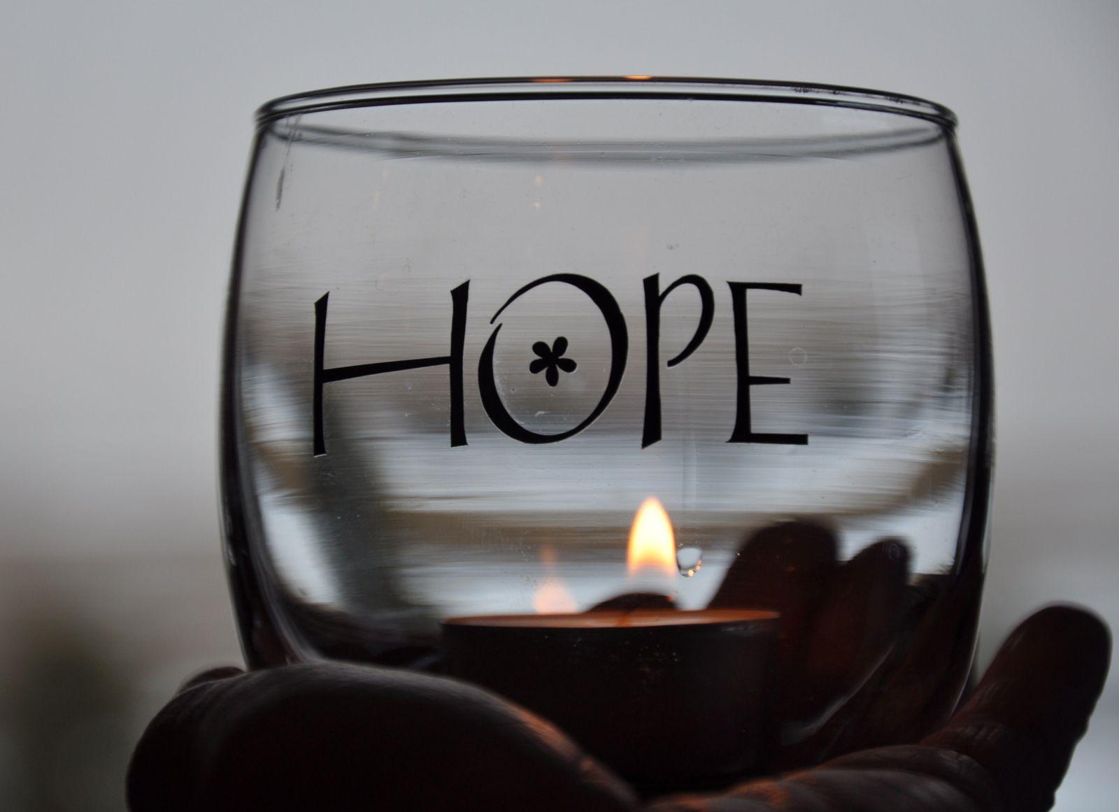 قالوا في الامل.... Hope-in-focus1