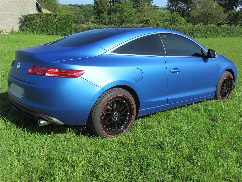 [Momofisher] Laguna III coupé GT 2.0 dCi 180 Bleu mat - Page 3 IMG_0733