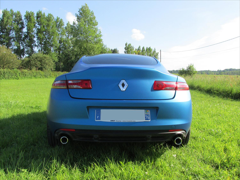 [Momofisher] Laguna III coupé GT 2.0 dCi 180 Bleu mat - Page 3 IMG_0744