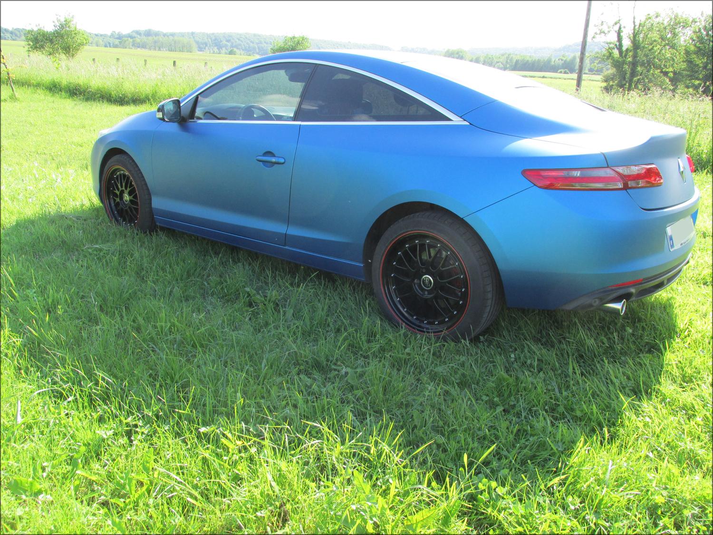 [Momofisher] Laguna III coupé GT 2.0 dCi 180 Bleu mat - Page 3 IMG_0747