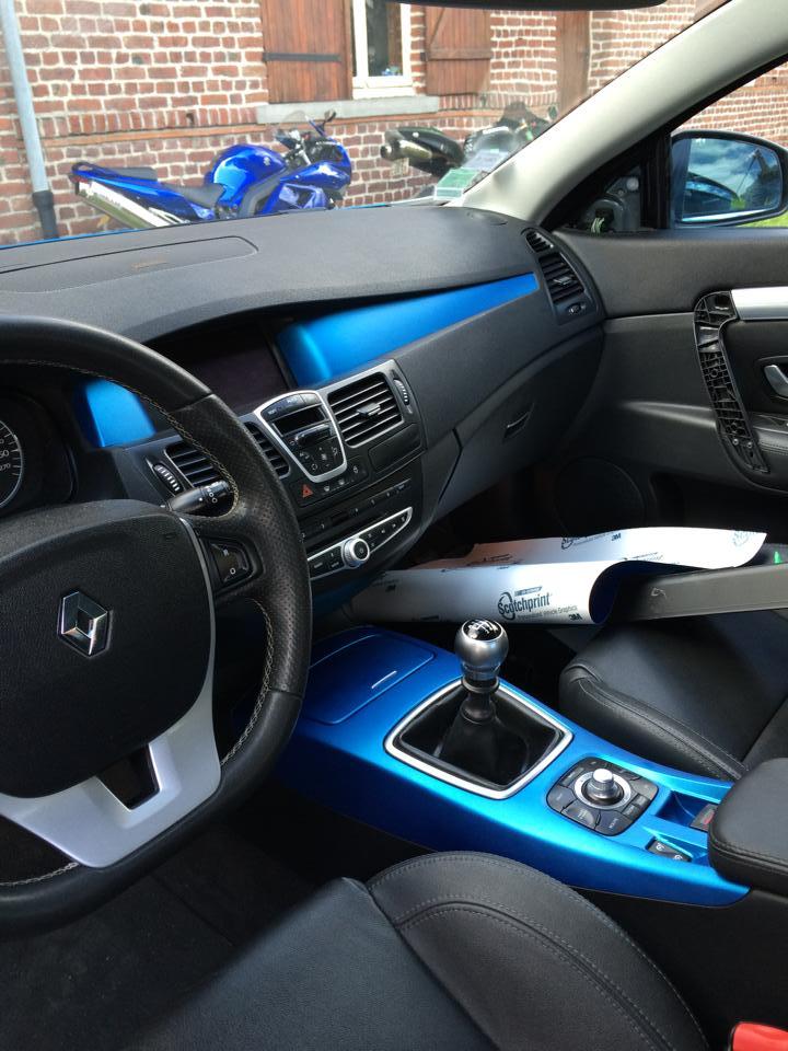 [Momofisher] Laguna III coupé GT 2.0 dCi 180 Bleu mat Int