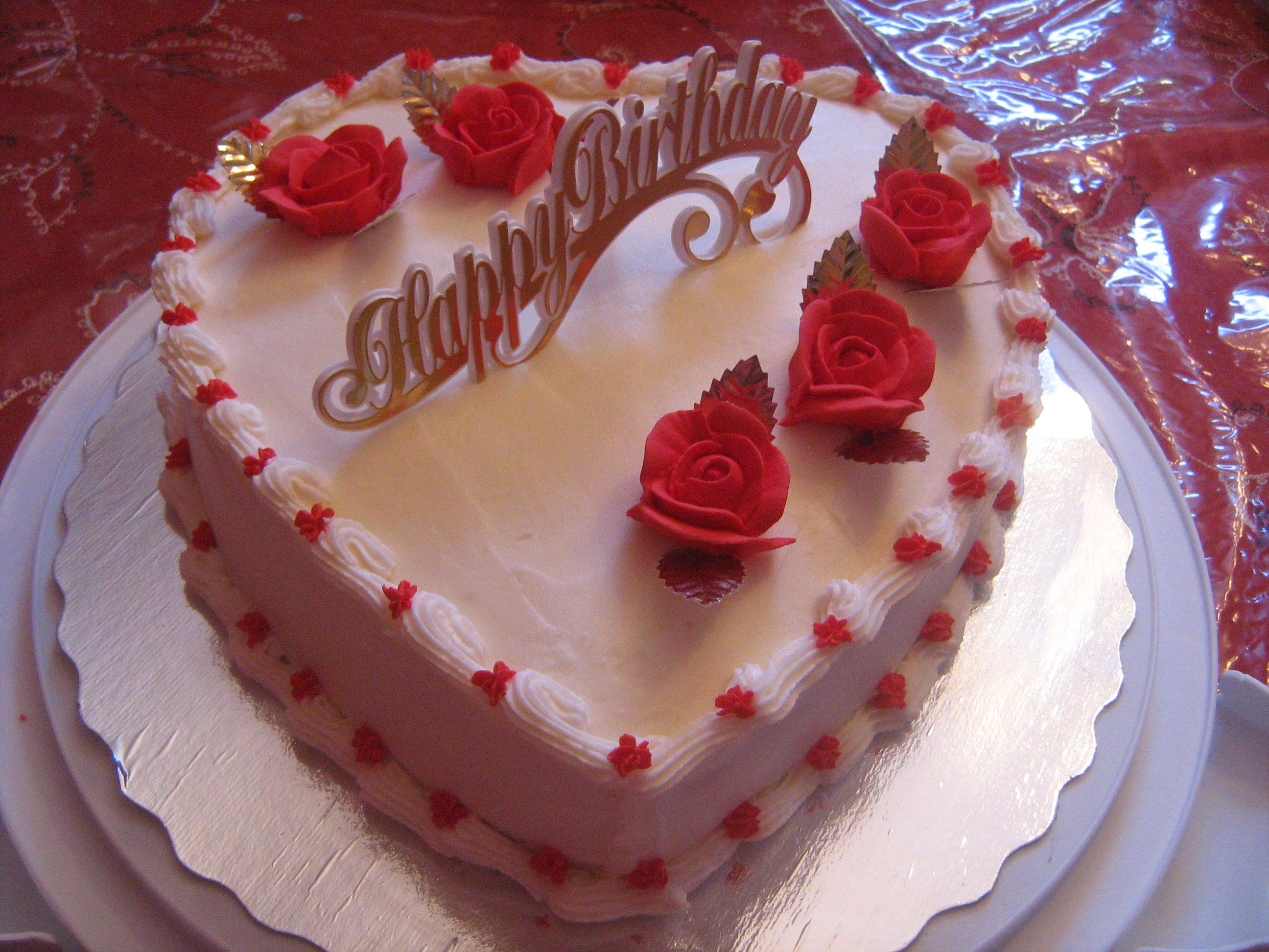 كل عام وانت بخير Heart-shaped-cake