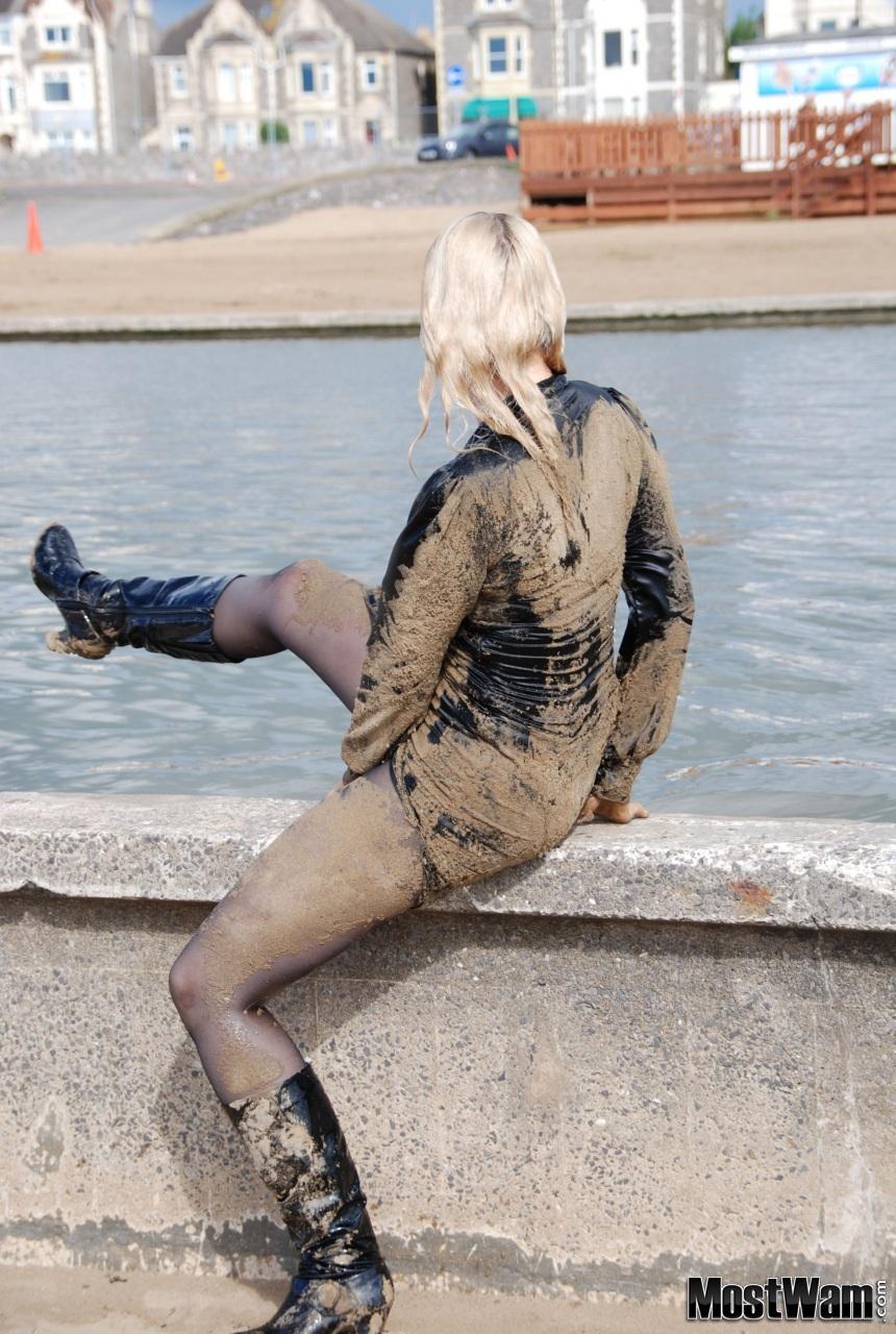 Высокие кожаные ботфорты и вода. Beccaboatlake_example_dsc_z0583