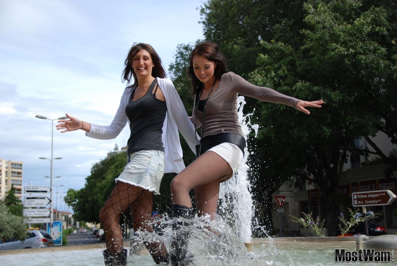 Высокие кожаные ботфорты и вода. Michjemfount_example_dsc_z0059
