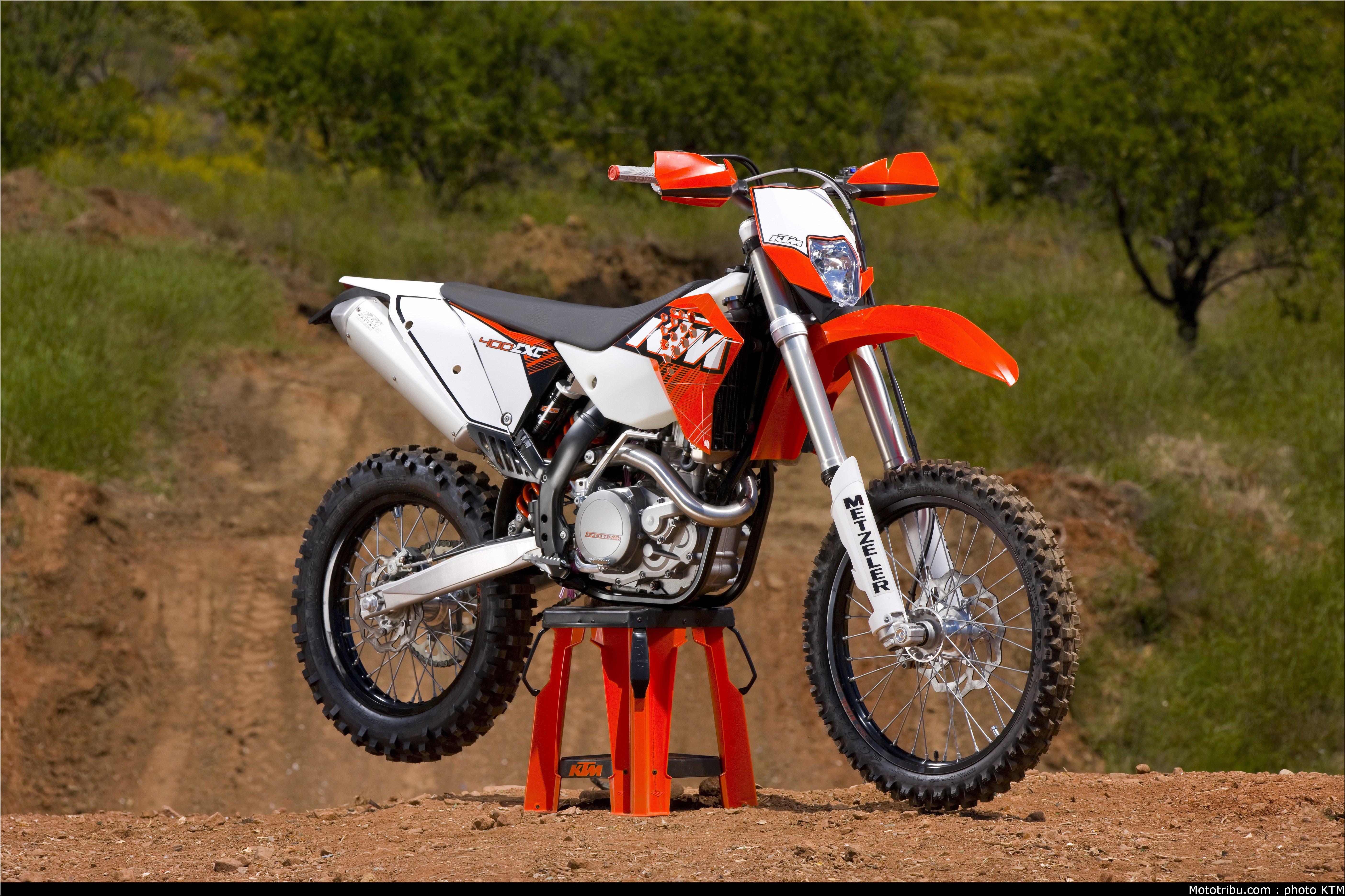 Nok en maskin i garasjen - 2011 KTM 400 EXC  Ktm-400-exc-2011-3