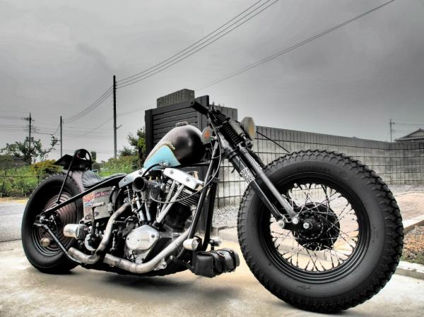 les Bécanes OLD SCHOOL The-oldschool-custom-flyrite-choppers-bobber-draws-all-the-eyes-2