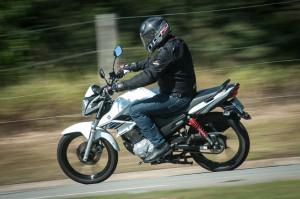 Fazer 150 - Yamaha Pilotamos-06-300x199