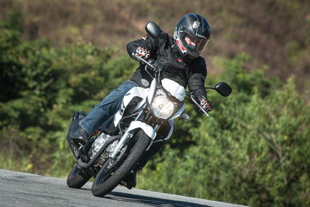 Fazer 150 - Yamaha Yamaha-Fazer-150cc-movimento