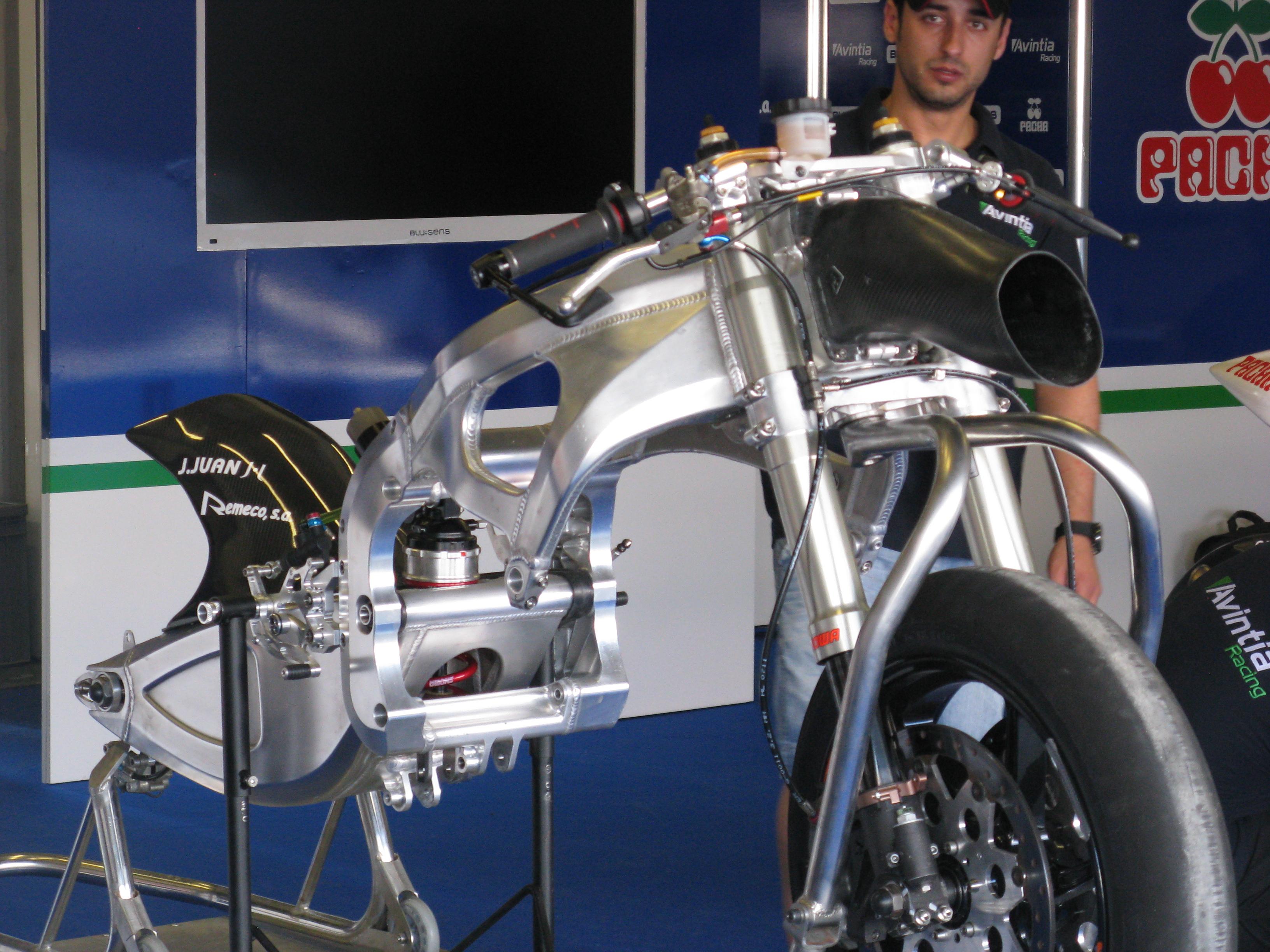 Kawasaki-FTR team BQR IMG4405-O