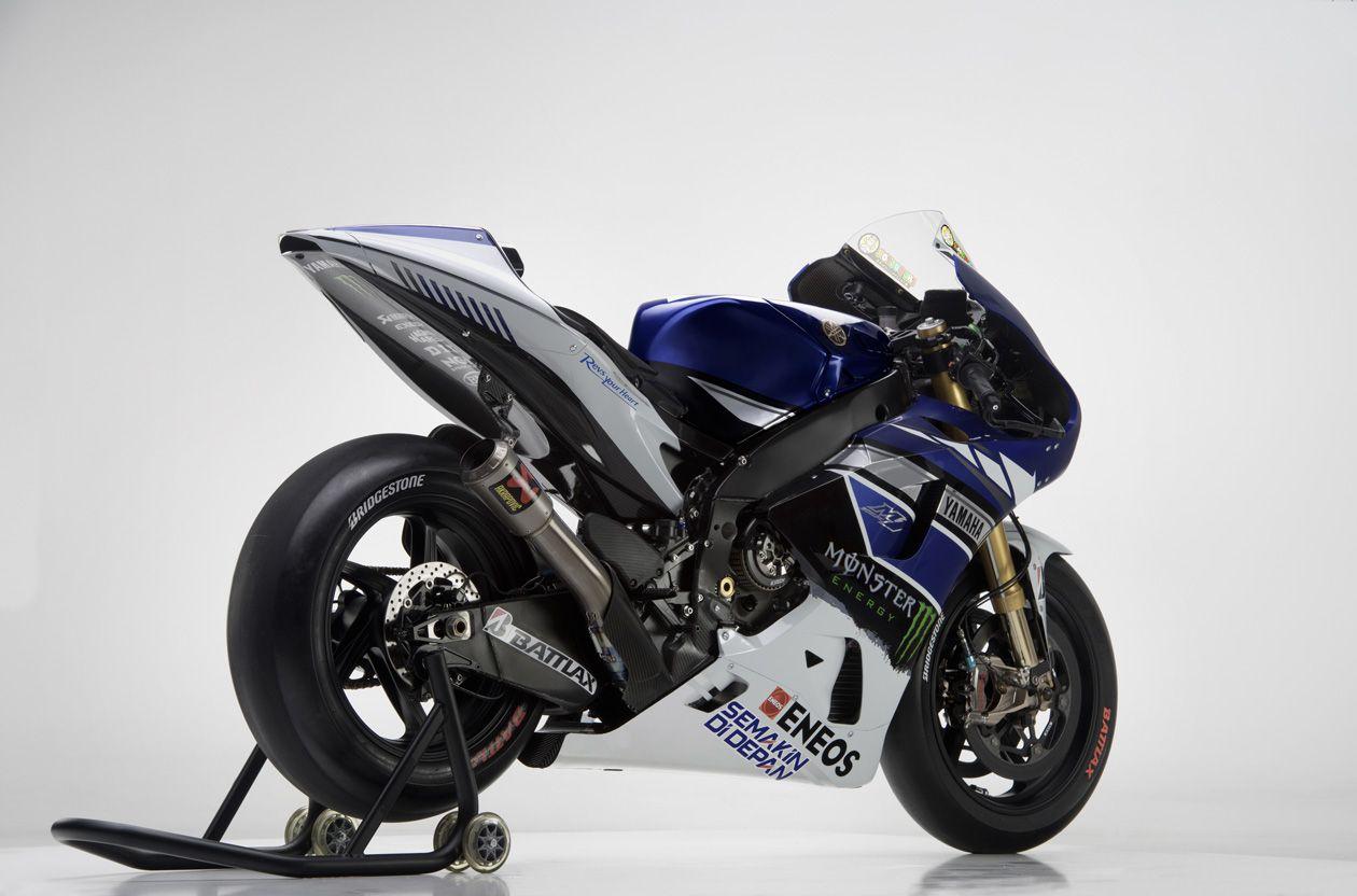Yamaha M1 Outfoto%20%288%29-O
