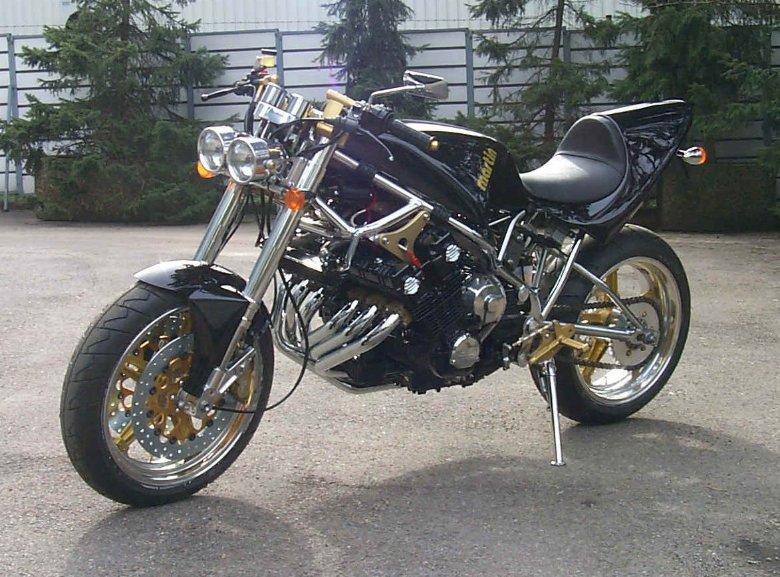 Comment ruiner un mythe ... Honda_CBX_hoppe01