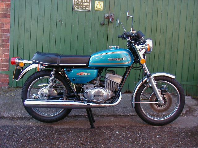 Mon  premier R  Suzuki_gt250_1976