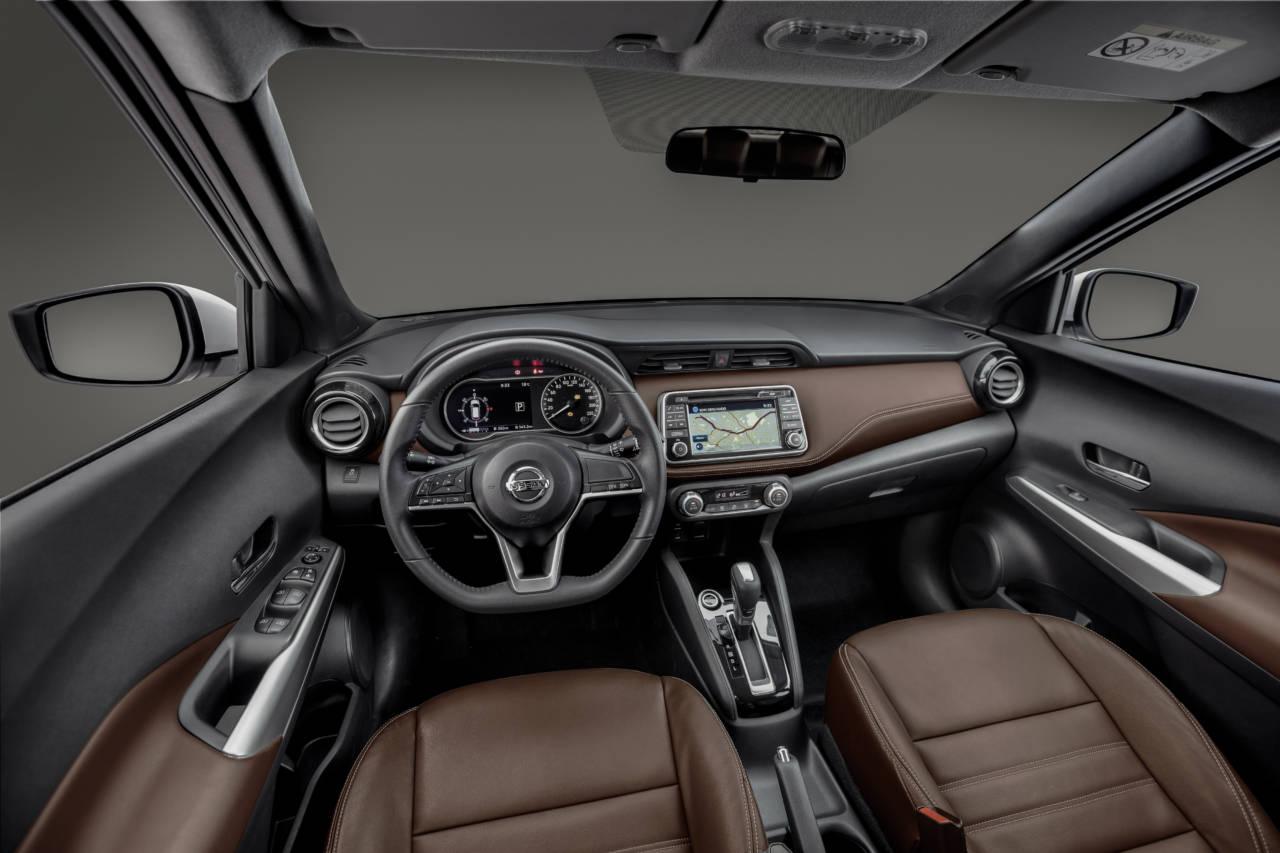 Instalação do cruise control (piloto automático) e descansa braço - Página 2 Nissan_Kicks-_15