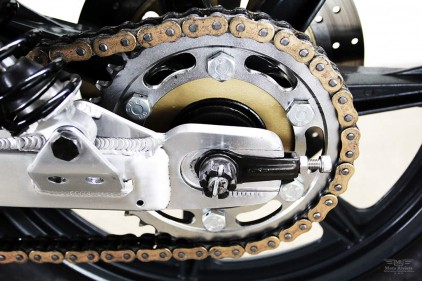 Chouette SR Lossa-Yamaha-Engineering-SR500-Cafe-Racer-7-422x281