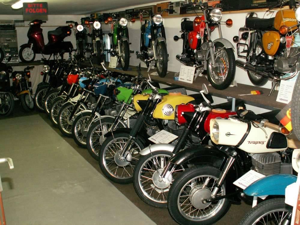Musées de la moto etc. - Page 3 224
