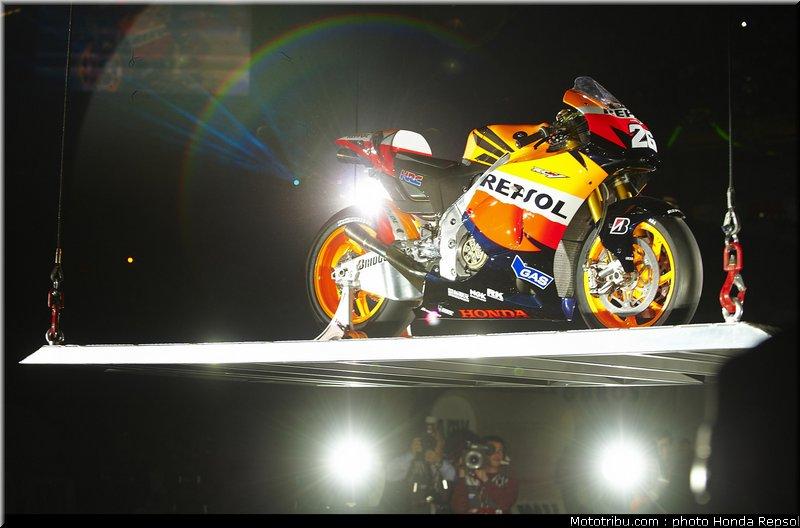MOTO GP les photos - Page 2 Honda_repsol_hrc_motogp_2010_005