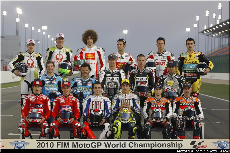 MOTO GP les photos - Page 3 0_test_qatar_2010