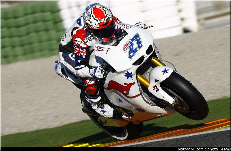 MOTO GP les photos - Page 5 Motogp_stoner_05_test_valence_2010