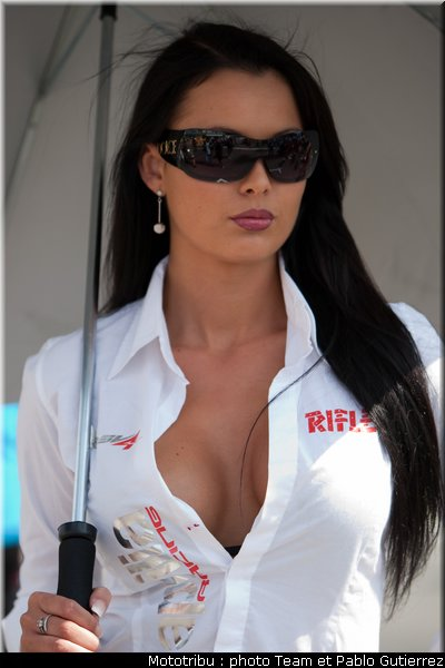 SUPERBIKE les photos Superbike_pitbabes_brno2009_14