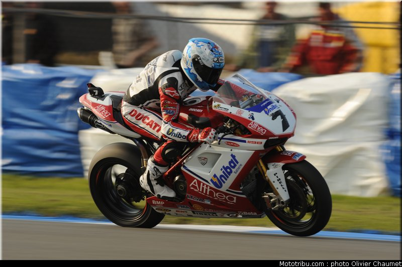 SUPERBIKE les photos - Page 4 Sbk_checa_06_angleterre_donington_2011