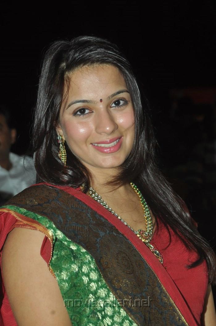 L' étoile de Rodger  du 12 avril - Page 2 Sukumarudu_movie_audio_launch_stills_21ad3b7
