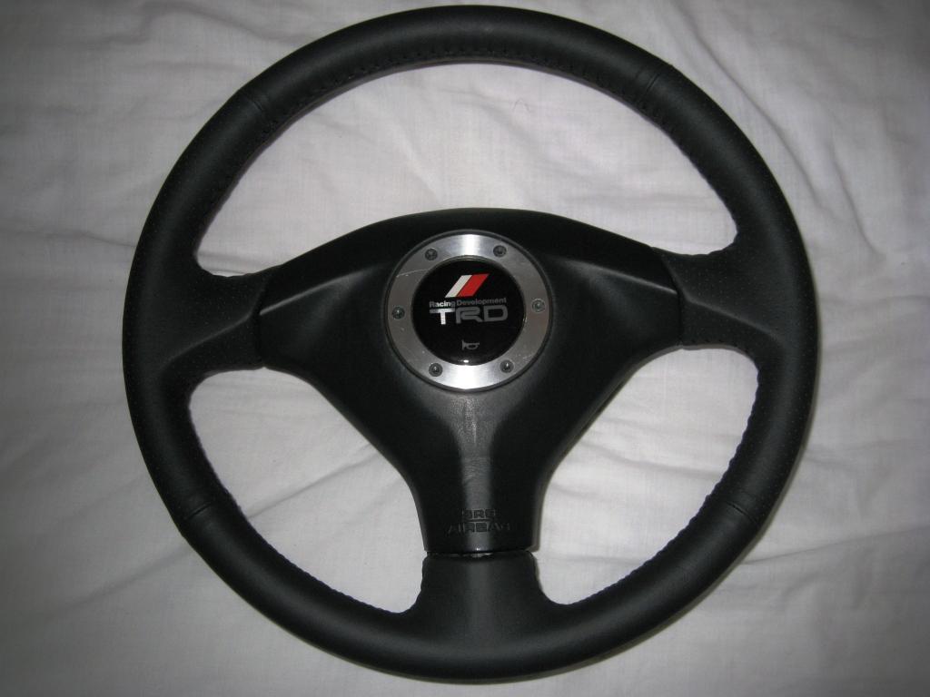 FS: TRD Steering wheel - MK2 IMG_1339