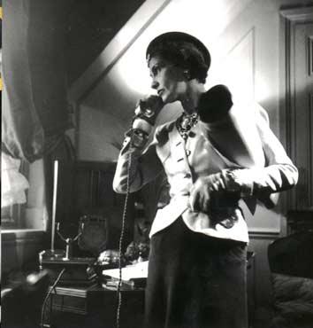 Coco Chanel 80313-cocochanel-biografia-2