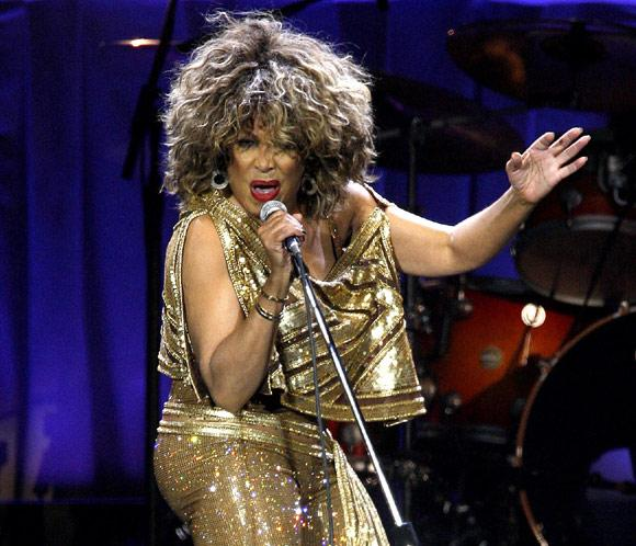 70 anos.... Tina