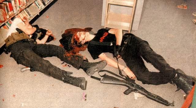 Le saviez-vous? - Page 4 Columbine-shooting-25