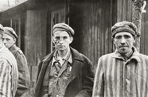 photos des camps de la mort, des ghettos, des prisonniers, des gardiens... U-wobbelin-01