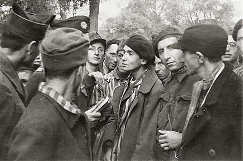 photos des camps de la mort, des ghettos, des prisonniers, des gardiens... U-wobbelin-02