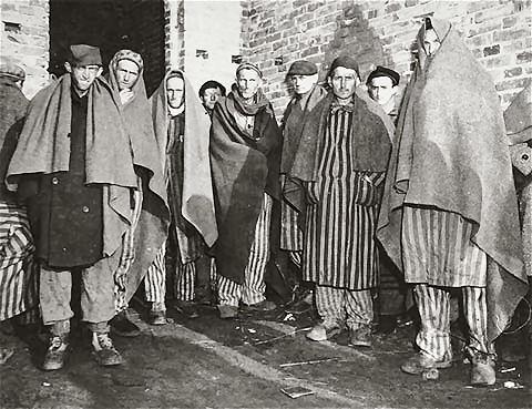 photos des camps de la mort, des ghettos, des prisonniers, des gardiens... U-wobbelin-03