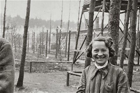 photos des camps de la mort, des ghettos, des prisonniers, des gardiens... U-wobbelin-04