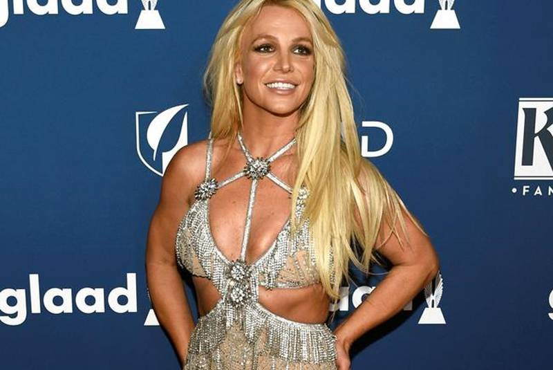 Britney Spears  - Σελίδα 25 Britney_musichunter