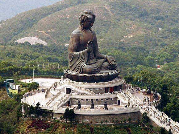 Скульптуры, памятники и монументы 1405011048_hram-today-dzi-bronzovaya-statuya