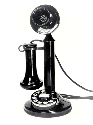 Conrad Johnson PV4  Old-style-phone-pictures-Antique-phone